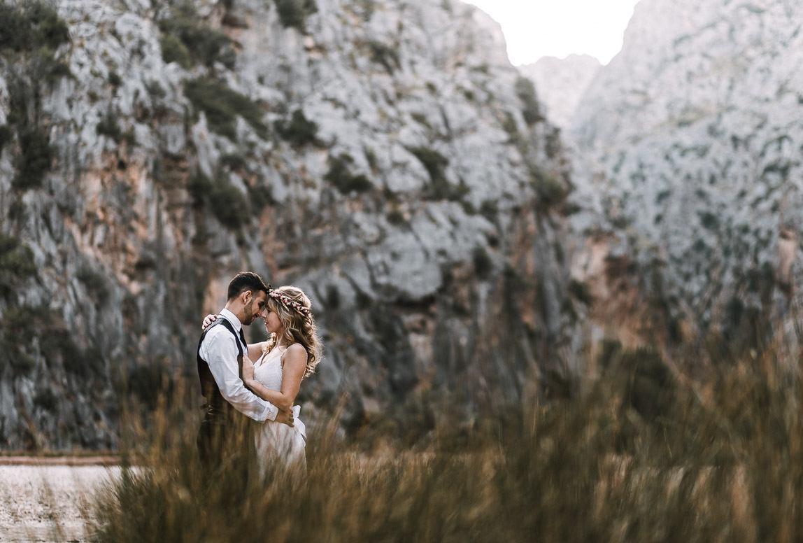 Hochzeitsfotos Mallorca: Brautpaar beim After Wedding Shooting im Tramutana Gebirge