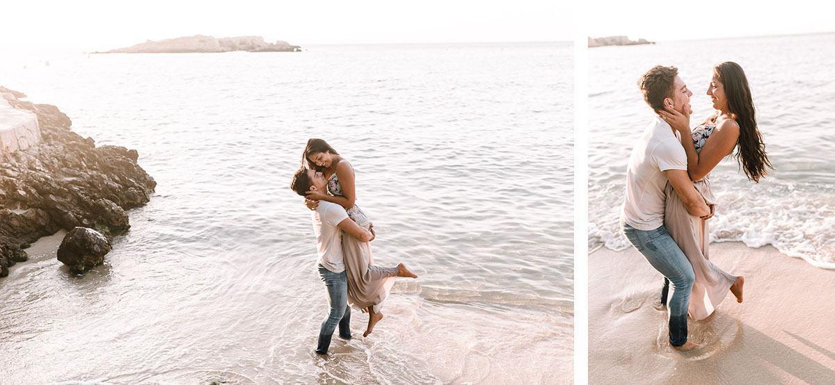 Mallorca engagement photographer - lovebirds having fun at the beach