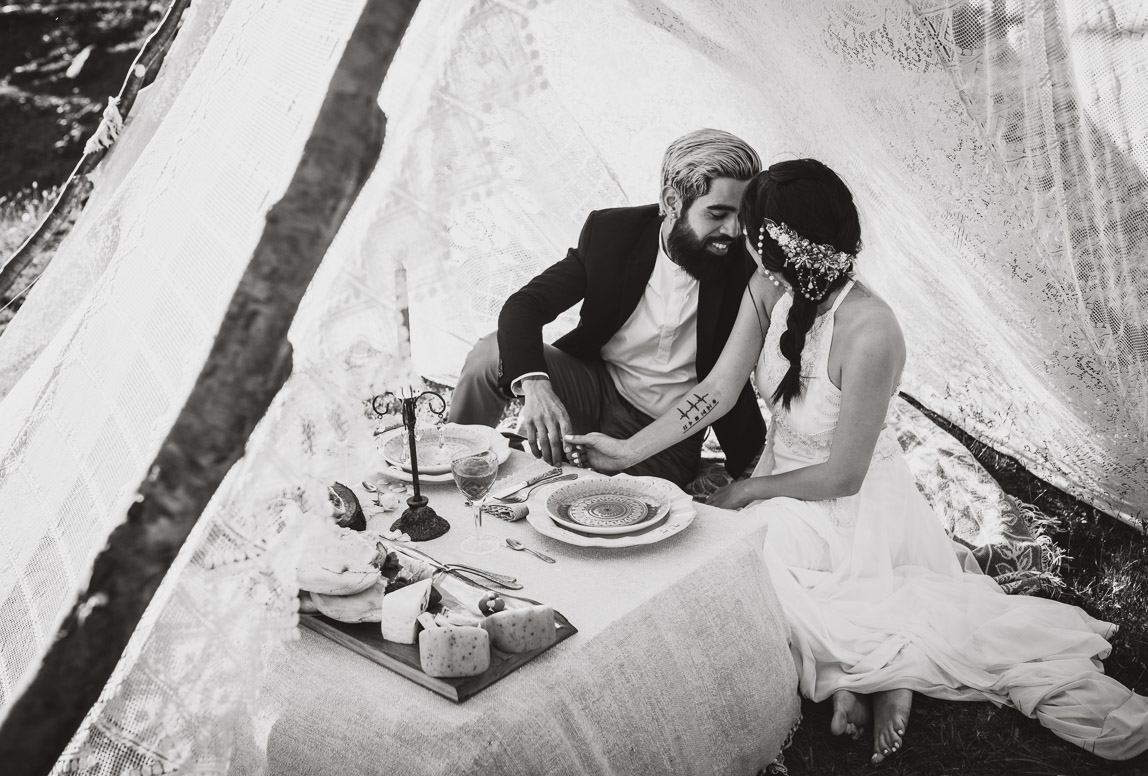 Elopement photographer in chile: couple glamping as part of their elopement wedding