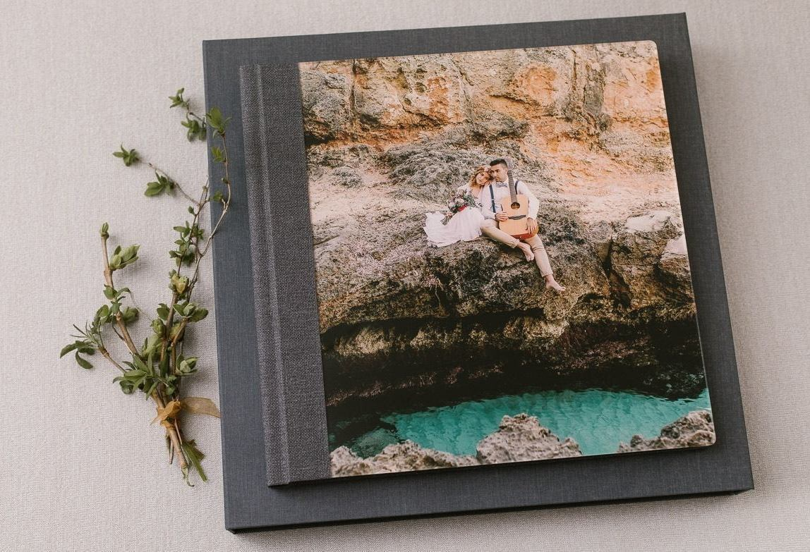 Wedding album and photobook by best Chile photographer Romany Flower