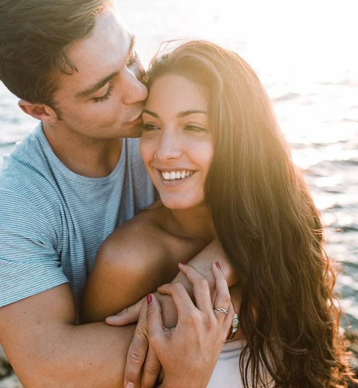 Mallorca Fotoshooting: Verliebtes Paar bei Sonnenaufgang